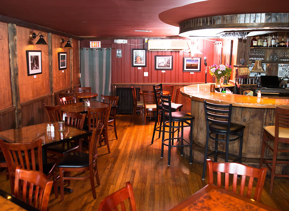 Our cozy and comfortable restaurant has two dining rooms and a large bar counter.